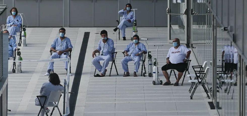 ¿Cómo es posible que la mayoría de hospitalizados por covid-19 sean personas vacunadas?